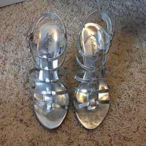 Delicious Shoes - Caged Silver Heels