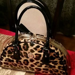 10.Deep Handbags - Tiger back
