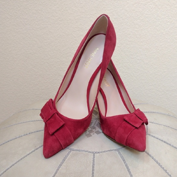 e19c5b6e6c6 Perfect for Valentines Day Nine West Red Bow Pumps