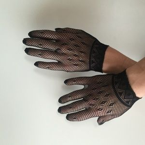 Accessories - Ornate Fish Net Gloves