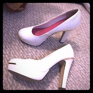Chinese Laundry Shoes - White pumps
