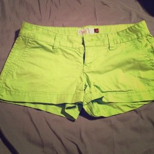 LIME GREEN SO SHORTS SZ 3