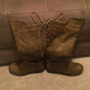 New kisses women fashion boots size 6 color taupe