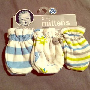 Gerber Other - ⚠️NWT SET OF 3 0-3MO MITTENS BOY