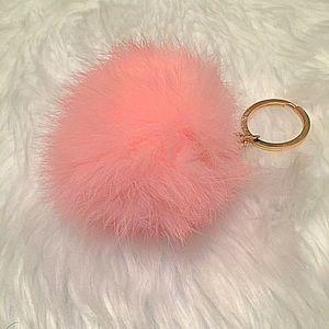 Accessories - Girly premium pink Pom Pom faux fur keychain! 💕💓