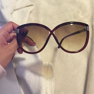 d895c0d6dfd Tom Ford Accessories - Sum glasses price is firm