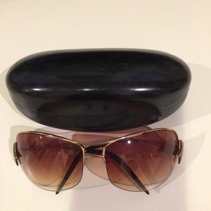 Class Roberto Cavalli Accessories - Roberto Cavalli Sunglasses Rose gold Metal Frame.
