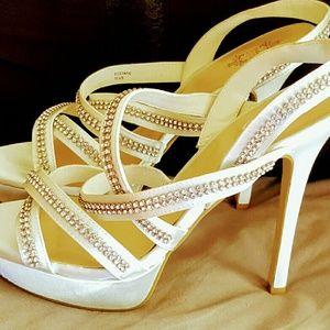 Shoedazzle  Shoes - NWOT Shoedazzle Wedding Shoe