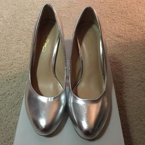 """Journee Collection Shoes - Silver 3"""" heels"""