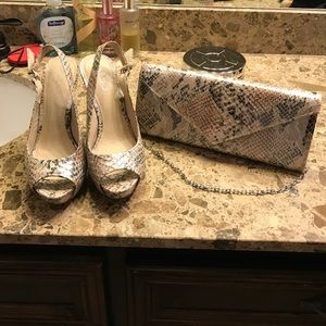Matching Shoe and Clutch Set!!👠👛
