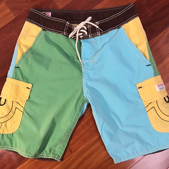 30b6675b38 True Religion Board Shorts. M_58731e517f0a05e95003c4ac