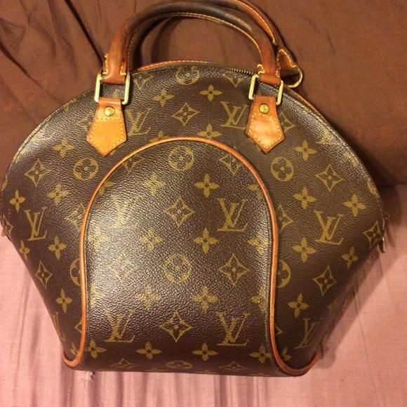 Louis Vuitton Handbags -  190 til midnite mon Louis VUittion needs repair 4b7d307ea9a6d
