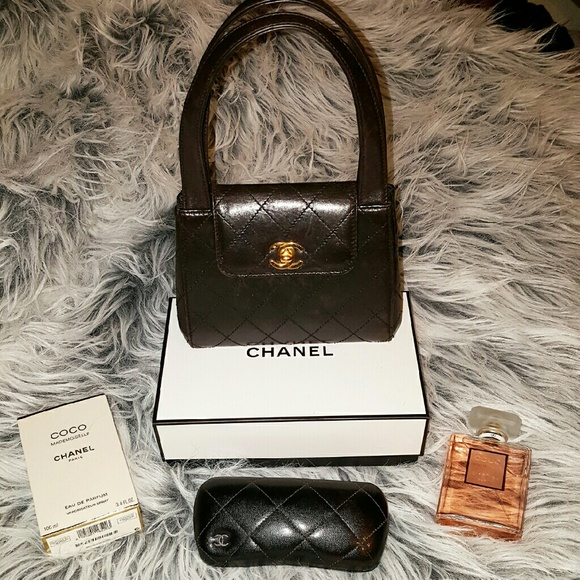 b533e116ebfa CHANEL Handbags - CHANEL Vintage Top Handle Flap Bag Quilted Leather