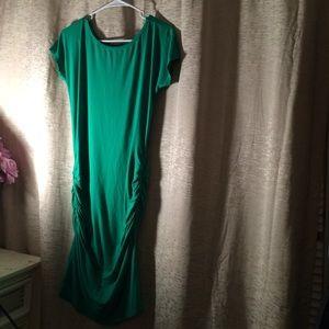 Venus Dresses & Skirts - NWOT VENUS GREEN RUCH BODYCON SCOOP NECK DRESS M