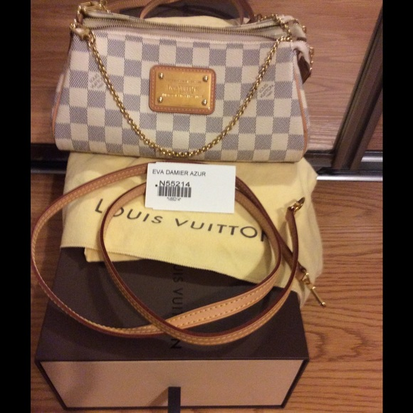 Louis Vuitton Handbags - Louis Vuitton Eva clutch damier azur