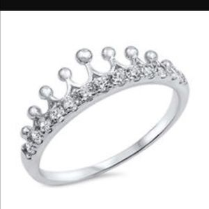 Jewelry - Silver crown 👑 ring size 8