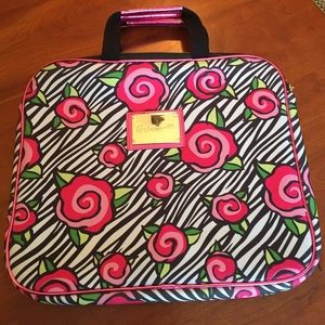 Betseyville Computer caring case