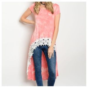 Tops - New- Lace Hem Peach/White Top