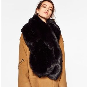 Oversized faux fur wraparound scarf from Zara new