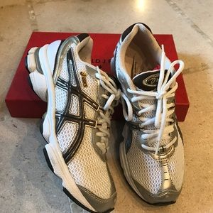 Asics Shoes - Asics gel-stratus sneakers
