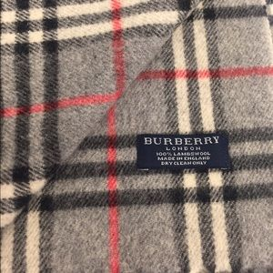 Burberry Accessories - Authentic Burberry scarf