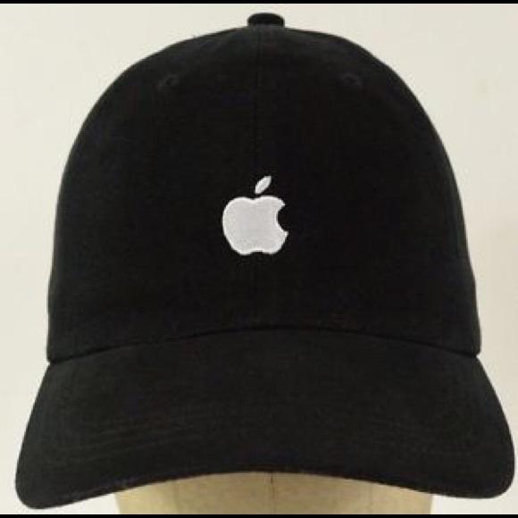 Accessories - Black Baseball Cap w  Apple logo d701d3527fd