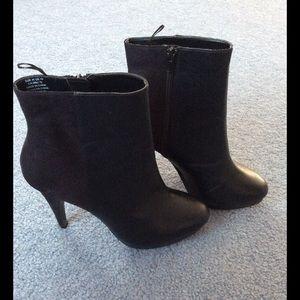 Black Heeled Booties New