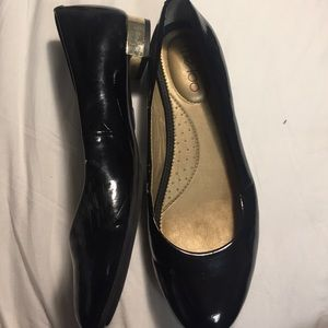ME TOO Black Patent Leather, Gold-Heeled Flats