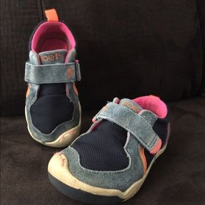PLAE Other - PLAE ty - navy/pink girl shoe Sz 7.5