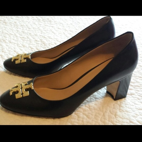 366804c7cdf LIKE NEW Tory Burch Raleigh Pump. M 5873d2ee5a49d07aed11fd5f