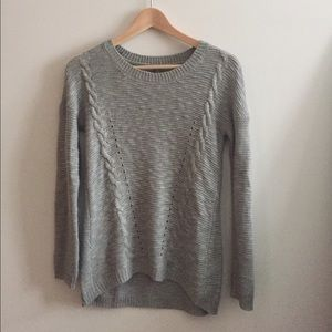 CR loose-knit sweater