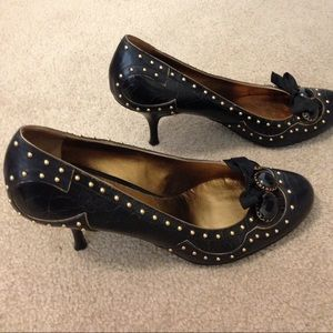Miu Miu Black leather pumps with gold studs – 9.5M
