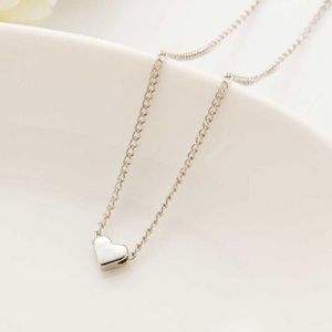Jewelry - SALE 💗 SILVER Heart Dainty Pendant Necklace