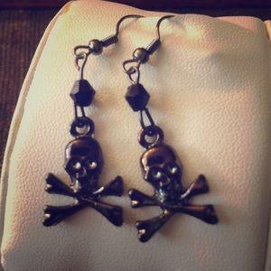 Jewelry - ❤️SOLD❤️Skull Dangle Earrings