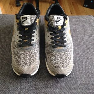Nike Shoes | Mens Air Max 90 Gold Trophy Size 95 | Poshmark