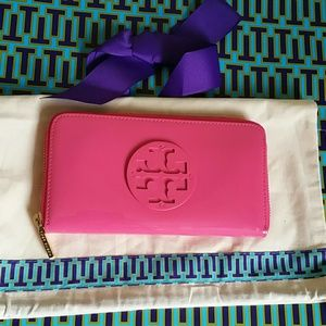 Tory Burch Handbags - Authentic tory burch wallet