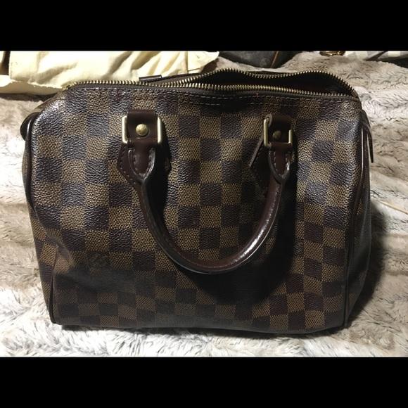 dd048dee3 Louis Vuitton Handbags - Authentic Louis Vuitton speedy 25 damier ebene