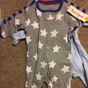 Baby Essentials Other - NWT 3 set footed onsies