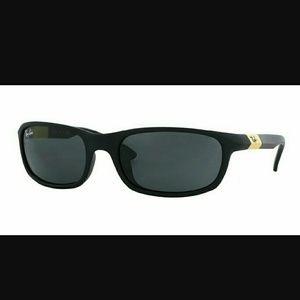 Ray-Ban Other - Black Ray Ban Jr sunglasses