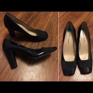 Ellen Tracy Shoes - Ellen Tracy Navy Pumps