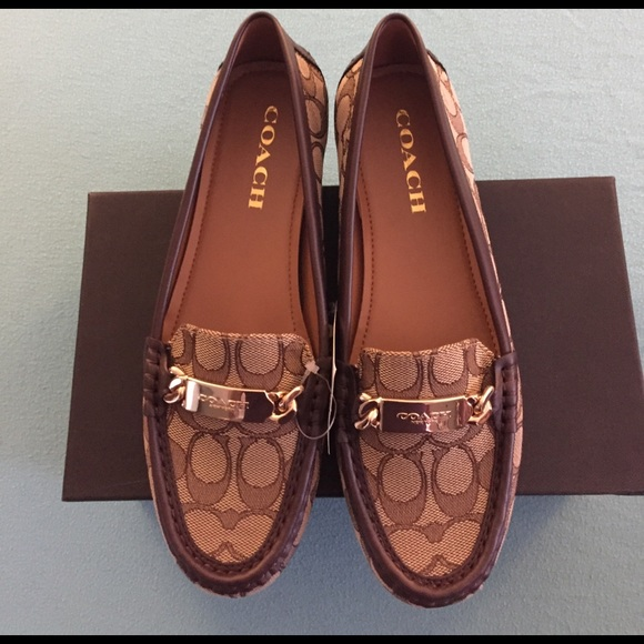 5e3619d4479 NIB Coach Olive Loafer Flats in Dark Chestnut