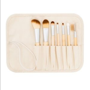 Danielle Creations Other - 7 Piece Makeup Brush Set w/ Canvas Case