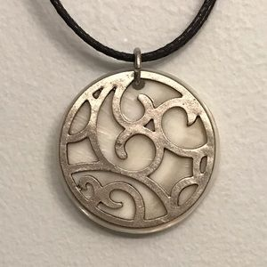 Jewelry - Vintage Mother of Pearl Pendant