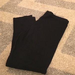 H&M Black Capri Leggings
