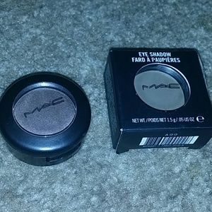 Mac eyeshadow coquette & satin taupe never used
