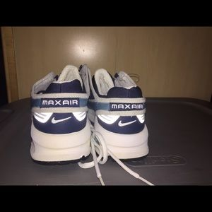 Brand New 2002 Lady Nike Air Max Shoes wWhistle NWT