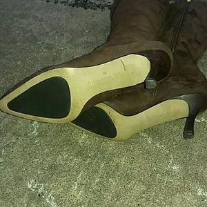 Anne Klein Shoes - Classy ANNE KLEIN Brown Suede Boots