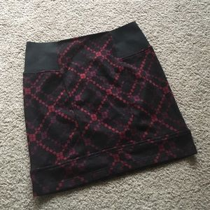 Free People fitted mini skirt with pattern- XS