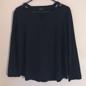 Finejo Tops - NWOT Off shoulder, long sleeve v-neck