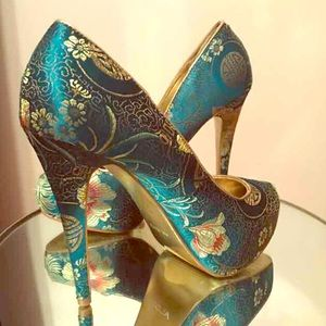 Aldo Shoes - Aldo Chinese art inspired heels, size 9